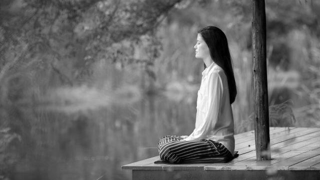 瞑想 座禅 自然 精神統一 ヨガ