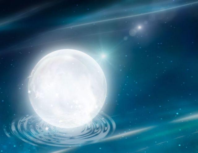 満月 神秘