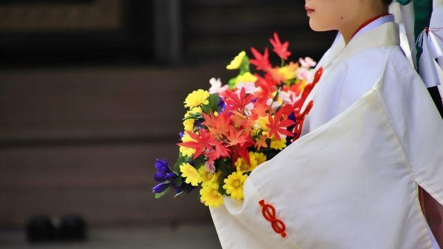 巫女さん 神事 神社