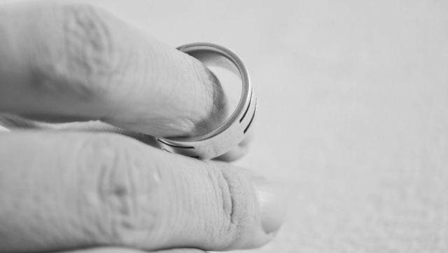 結婚指輪を外す 離婚
