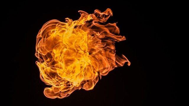 炎 火 燃える 熱 魂